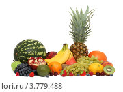 Купить «Ассорти из фруктов и ягод (изолированно на белом фоне)», фото № 3779488, снято 18 августа 2012 г. (c) Самохвалов Артем / Фотобанк Лори