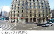 Купить «Автобус едет по улицам Мадрида днем, таймлапс», видеоролик № 3780840, снято 19 апреля 2012 г. (c) Losevsky Pavel / Фотобанк Лори