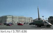 Купить «Городской трафик на Площади Восстания в центре Петербурга», видеоролик № 3781636, снято 17 июня 2012 г. (c) Losevsky Pavel / Фотобанк Лори