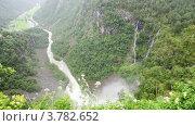 Купить «Горы с водопададами, фиорд и небольшие дома в долине ниже», видеоролик № 3782652, снято 5 июня 2012 г. (c) Losevsky Pavel / Фотобанк Лори