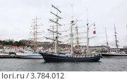 Купить «Голландский парусник Thalassa входит в порт Stavanger», видеоролик № 3784012, снято 20 июля 2012 г. (c) Losevsky Pavel / Фотобанк Лори