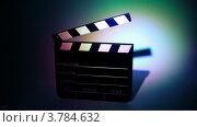 Купить «Хлопушка в свете прожектора», видеоролик № 3784632, снято 24 марта 2012 г. (c) Losevsky Pavel / Фотобанк Лори