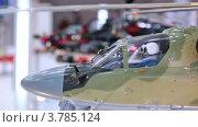 Купить «Модель военного вертолета на выставке», видеоролик № 3785124, снято 30 июля 2012 г. (c) Losevsky Pavel / Фотобанк Лори