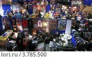 Купить «Специалисты по тату  общаются на Тату конгрессе, таймлапс», видеоролик № 3785500, снято 7 июня 2012 г. (c) Losevsky Pavel / Фотобанк Лори