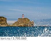 Купить «Маяк на побережье Японского моря», фото № 3795060, снято 2 июня 2012 г. (c) Владимир Шеховцев / Фотобанк Лори