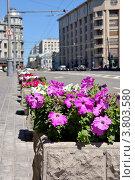 Купить «Москва. Лето. Улица Большая Лубянка», фото № 3803580, снято 17 июня 2012 г. (c) Илюхина Наталья / Фотобанк Лори
