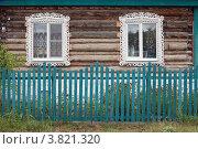 Купить «Окна деревянного дома, город Курлово», эксклюзивное фото № 3821320, снято 2 сентября 2012 г. (c) Игорь Веснинов / Фотобанк Лори