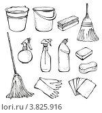 Моющие средства и инструменты для уборки на белом фоне. Стоковое фото, фотограф Малинина Наталья / Фотобанк Лори