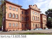 Купить «Школа. Город Енисейск», фото № 3835568, снято 2 сентября 2012 г. (c) Олег Грицак / Фотобанк Лори