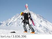 Купить «Ски-альпинизм. Камчатка, Корякский вулкан», фото № 3836396, снято 21 апреля 2012 г. (c) А. А. Пирагис / Фотобанк Лори