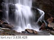 Красивый изящный  мощный водопад Рамбода Шри Ланка фрагмент, фото № 3838428, снято 7 ноября 2009 г. (c) Эдуард Паравян / Фотобанк Лори