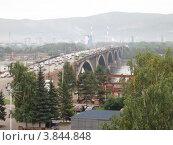 Красноярск, Коммунальный мост (2012 год). Редакционное фото, фотограф Евгений Можаровский / Фотобанк Лори