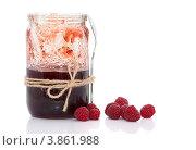 Купить «Банка с малиновым вареньем и малина», фото № 3861988, снято 26 февраля 2011 г. (c) Olha Ukhal / Фотобанк Лори