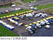 Купить «Виды района Новокосино. Рынок выходного дня на улице Новокосинская, Москва», эксклюзивное фото № 3868820, снято 7 сентября 2012 г. (c) lana1501 / Фотобанк Лори