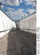 Софийский взвоз. Тобольский Кремль (2012 год). Редакционное фото, фотограф Бордачёва Светлана / Фотобанк Лори