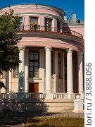 Купить «Дом офицеров, Ахтубинск», эксклюзивное фото № 3888056, снято 1 октября 2012 г. (c) katalinks / Фотобанк Лори