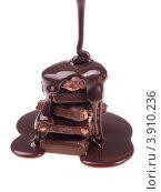 Купить «Жидкий шоколад льется на шоколадные плитки на белом фоне», фото № 3910236, снято 8 ноября 2010 г. (c) Оксана Ковач / Фотобанк Лори