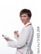 Купить «Портрет агрессивной девушки в белом халате», фото № 3925204, снято 5 февраля 2012 г. (c) Михаил Иванов / Фотобанк Лори