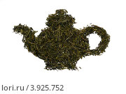 Чайник , выложенный из листьев зеленого чая. Стоковое фото, фотограф Светлана Самаркина / Фотобанк Лори