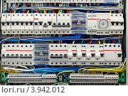 Купить «Электрическая панель с предохранителями, крупный план», фото № 3942012, снято 28 мая 2012 г. (c) Юрий Плющев / Фотобанк Лори