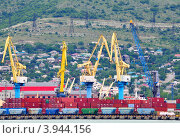 Купить «Краны в порту Новороссийска», фото № 3944156, снято 25 мая 2012 г. (c) Анна Мартынова / Фотобанк Лори