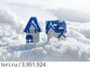 Купить «Новогодние декорации домики - подсвечники на снегу», фото № 3951924, снято 26 марта 2012 г. (c) ElenArt / Фотобанк Лори