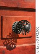 Дверные ручки, Родос, Греция. Стоковое фото, фотограф Юлия Дюнина / Фотобанк Лори