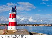 Купить «Маяк в порту», фото № 3974816, снято 29 сентября 2012 г. (c) Виктория Катьянова / Фотобанк Лори
