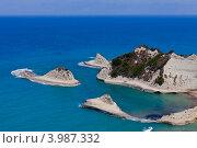 Вид на бухту в Перуладес на острове Корфу (2012 год). Стоковое фото, фотограф Алексей Кондратьев / Фотобанк Лори