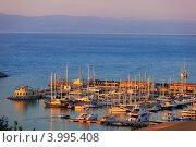 Купить «Порт с яхтами на морском курорте Тропея на закате, Италия», фото № 3995408, снято 18 июля 2012 г. (c) Наталия Македа / Фотобанк Лори