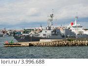 Купить «Американский военный корабль в Таллинском порту», эксклюзивное фото № 3996688, снято 11 августа 2012 г. (c) Александр Щепин / Фотобанк Лори