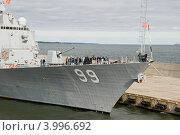 Купить «Американский военный корабль в таллинском порту», эксклюзивное фото № 3996692, снято 11 августа 2012 г. (c) Александр Щепин / Фотобанк Лори