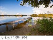 Купить «Тверская область, озеро Селигер, причал», фото № 4004904, снято 18 июля 2012 г. (c) Ольга Денисова / Фотобанк Лори