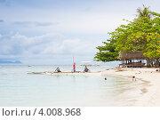 Купить «Пляж филиппинского острова Памилакан, пасмурная погода», фото № 4008968, снято 9 мая 2012 г. (c) Сергей Дубров / Фотобанк Лори