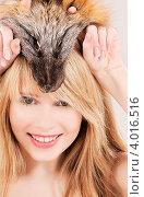 Купить «Портрет милой девушки с лисой на голове», фото № 4016516, снято 7 марта 2009 г. (c) Syda Productions / Фотобанк Лори