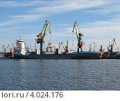 Купить «Калининградский порт (краны)», эксклюзивное фото № 4024176, снято 25 июня 2008 г. (c) Ната Антонова / Фотобанк Лори