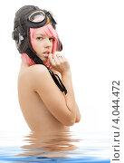 Купить «Молодая привлекательная женщина с рыжими волосами и в шлеме стоит в воде на белом фоне», фото № 4044472, снято 12 мая 2007 г. (c) Syda Productions / Фотобанк Лори