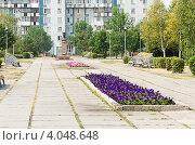 Вид на сквер имени маршала Жукова, Новокузнецк (2012 год). Редакционное фото, фотограф Михаил Павлов / Фотобанк Лори