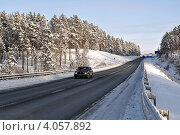 Купить «Заснеженная федеральная трасса Тюмень-Омск», эксклюзивное фото № 4057892, снято 19 ноября 2012 г. (c) Александр Тараканов / Фотобанк Лори
