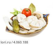 Купить «Тарелка с пельменями, помидором и огурцом», фото № 4060188, снято 20 сентября 2012 г. (c) Андрей Старостин / Фотобанк Лори