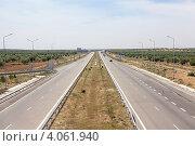 Магистральная междугородная дорога в Тунисе, Африка (2012 год). Стоковое фото, фотограф Кекяляйнен Андрей / Фотобанк Лори