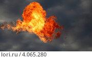 Купить «Огонь в небе», эксклюзивное фото № 4065280, снято 20 сентября 2012 г. (c) Валерий Акулич / Фотобанк Лори
