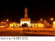 Купить «Зимний ночной пейзаж, Сусанинская площадь и Пожарная каланча в Костроме», фото № 4081012, снято 14 марта 2012 г. (c) ElenArt / Фотобанк Лори