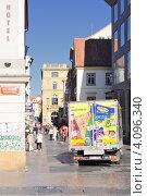 Улочка в Праге (2011 год). Редакционное фото, фотограф Алексей Яковлев / Фотобанк Лори