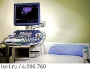 Медицинское ультразвуковое оборудование в больнице, фото № 4096760, снято 6 ноября 2012 г. (c) Alexander Tihonovs / Фотобанк Лори