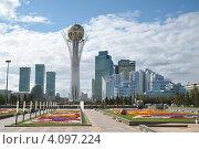 Астана столица Казахстана Байтерек (2012 год). Редакционное фото, фотограф Мударисов Вадим / Фотобанк Лори