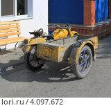 Купить «Мотоцикл Урал - работяга», эксклюзивное фото № 4097672, снято 24 августа 2012 г. (c) Анатолий Матвейчук / Фотобанк Лори