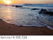 Купить «Вид на средиземное море и прибой в часы заката», фото № 4105724, снято 9 декабря 2012 г. (c) Николай Винокуров / Фотобанк Лори