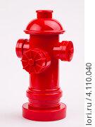 Красный пожарный гидрант. Стоковое фото, фотограф Logunov Maxim / Фотобанк Лори