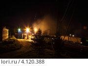 Локомотивное депо Высокогорное ночью при свете фонарей. Стоковое фото, фотограф Шемякин Алексей / Фотобанк Лори